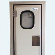 Puertas batientes en instalaciones frigoríficas