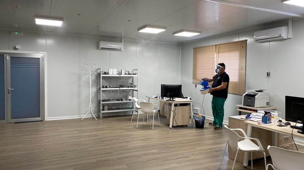 Desinfectamos nuestras instalaciones contra la COVID-19