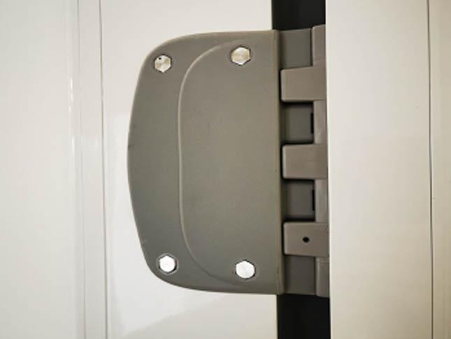 Modelo DB2 | Puerta batiente vaivén polietileno